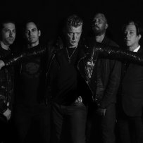 Queens Of The Stone Age : un single, une date de sortie d'album et un concert